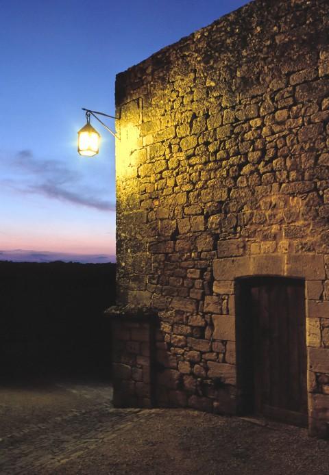 Château de Beynac, Dordogne – Les remparts au couchant