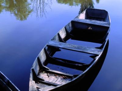 Barques à l'abandon sur la Dordogne, Carennac, Lot