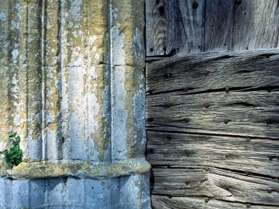 Chapelle du Cheylard, Saint-Geniès, Dordogne – Détail de la porte