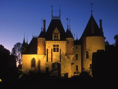 Château de Saint-Florent sur Cher, Cher – Le château au crépuscule