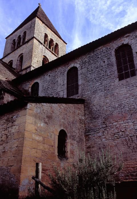 Eglise Saint-Léonce, Saint-Léon sur Vézère, Dordogne – Le clocher roman