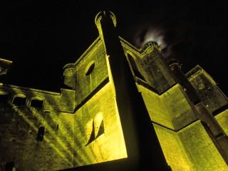 Château de Biron, Dordogne – Le château de nuit et son jeu d'ombres