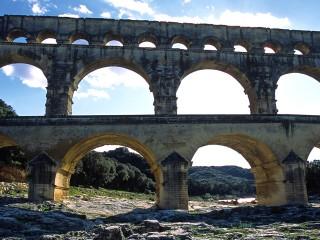 Le Pont du Gard, Gard – Contre-jour sur l'aqueduc