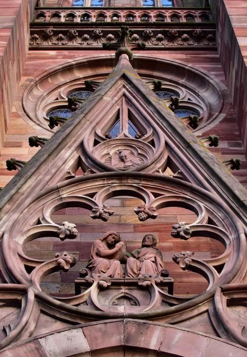 Eglise Saint-Maurice, Mutzig, Alsace  –  Détail de la façade