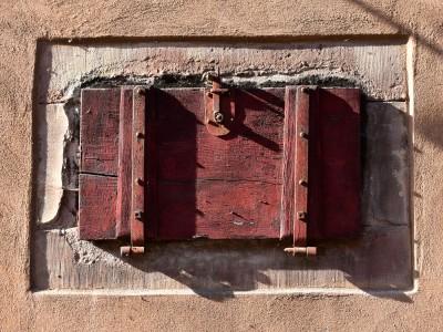 Volet de soupirail, Alsace