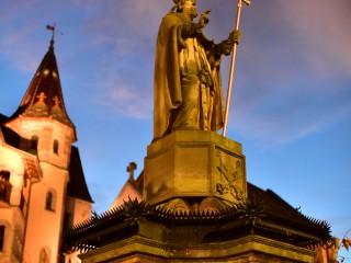Statue du pape Léon IX à Eguisheim, Alsace