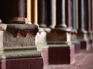 Colonnes polychromes, cathédrale de Fribourg-en-Brisgau, Allemagne
