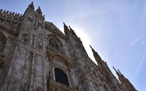 Duomo di Milano, Cathédrale de la Nativité de la Sainte-Vierge, façade, contre-plongée – Milan, Italie