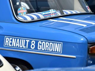 Bleu de France. Renault 8 Gordini