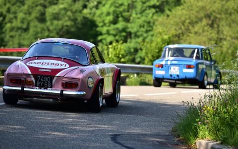 Cousines. Berlinette Alpine, Renault 8 Gordini