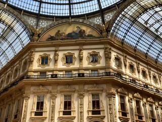 Galleria Vittorio Emanuele II, peintures, sculptures et moulures – Milan, Italie