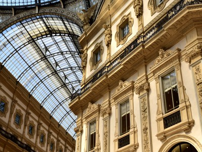 Galleria Vittorio Emanuele II, sous la voûte de verre – Milan, Italie