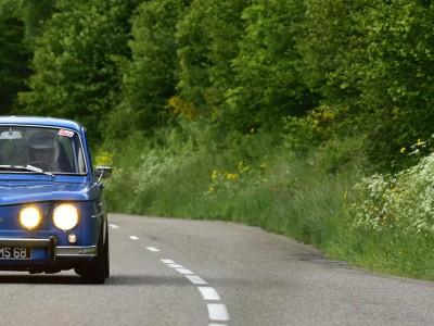Pleins phares ! Renault 8 Gordini
