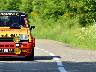 Renault 5 Alpine, transport express !