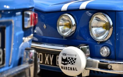 Regard connu. Renault 8 Gordini 1300