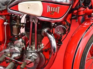 Le rouge est mis ! Motocyclette Terrot