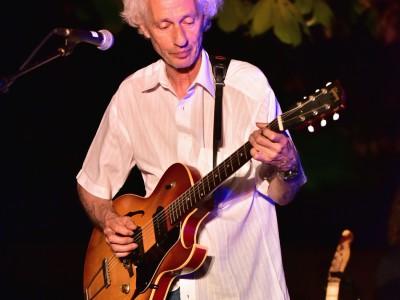Benjamin Tehoval «One man blues band»