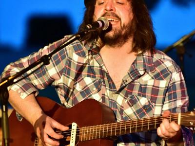 Aurel King, chanteur et guitariste de «Roots Noise»