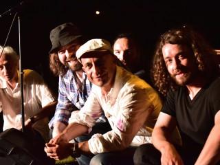 Benjamin Tehoval et les «Roots Noice»