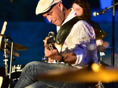 Laurent Combeau, guitare basse «Roots Noise»