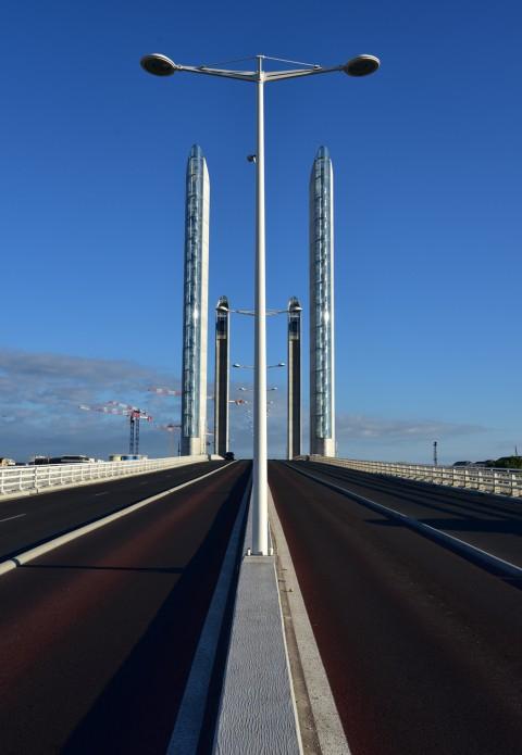 Symétrie. Pont Jacques-Chaban-Delmas, Bordeaux, Aquitaine