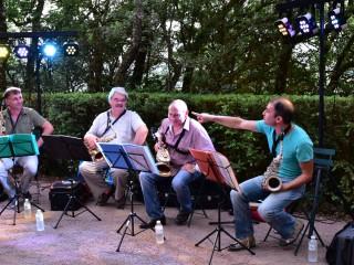 Quatre saxophones en liberté, jardins de Marqueyssac, Dordogne