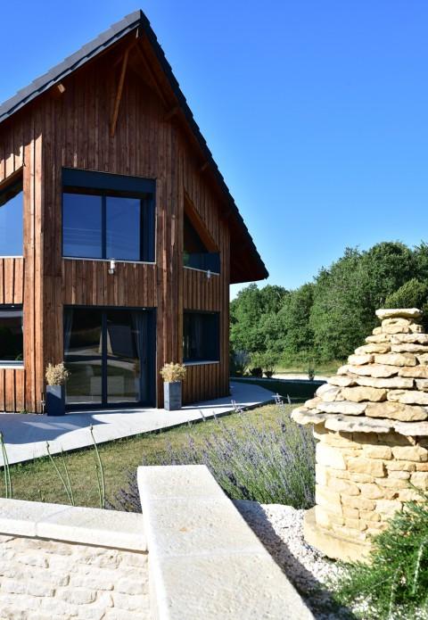 Pierre et bois en Périgord – Gîte «La Gratadie», Archignac, Dordogne