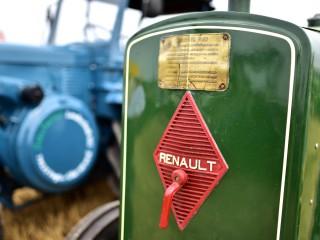 Tracteur Renault, détail – Rassemblement  ARAMAA, Reiningue, Alsace