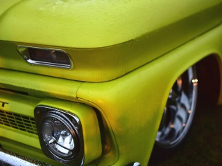 Chevrolet pick-up lemon green
