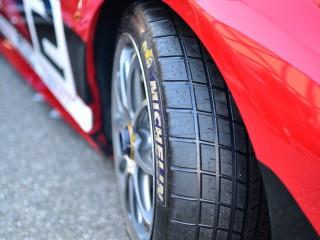 Ferrari 458, nouvelles gommes