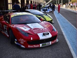 Ferrari 458 prête au départ