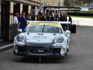 Porsche sur vérins
