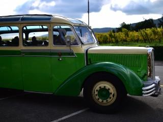 Autocar Saurer 1939 en partance