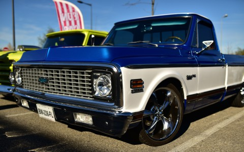 Pick-up Chevrolet C10 grand angle