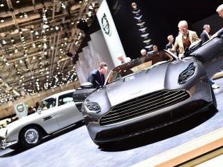 Aston Martin DB11 & DB5