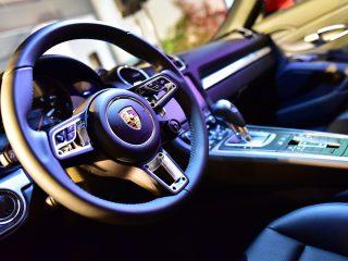 Prenez le volant de la Porsche 718 Boxster
